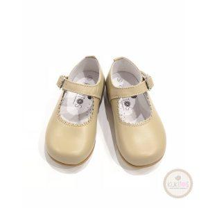 Zapato con correa charol