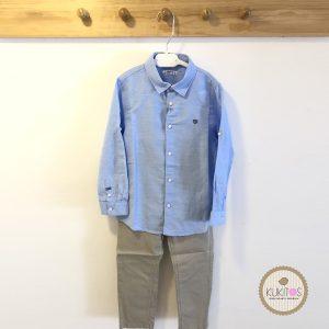 Conjunto camisa celeste con puntos